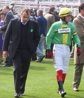Aintree 03 Apr 09 red a.jpg