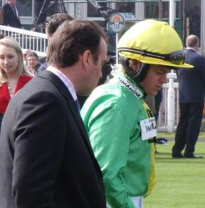 Aintree 03 Apr 09 red b.jpg