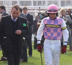 Aintree 03 Apr 09 red d.jpg