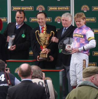 Aintree 03 Apr 09 red i.jpg
